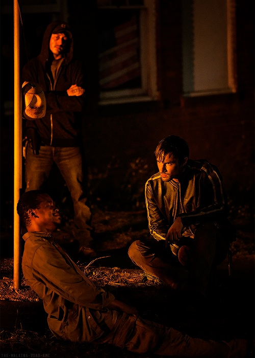 image-the-walking-dead-first-look-at-four-walls-and-a-roof-026e29dc-527a-4710-8fae-77633cb56644