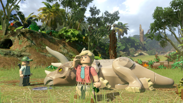 LEGO Jurassic World triceratops Game Trailer